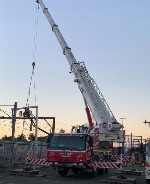 Red Two Way Crane lifting rail equipments